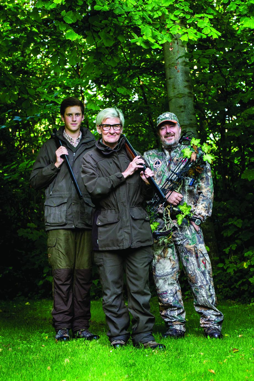 Tre på jagt