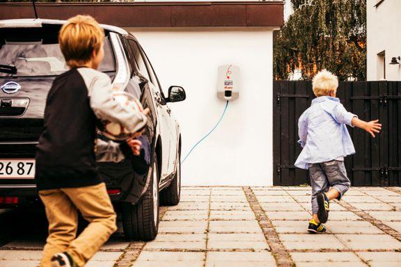 Nissan og E.ON: Tre års gratis strøm skal få flere til at vælge elbilen