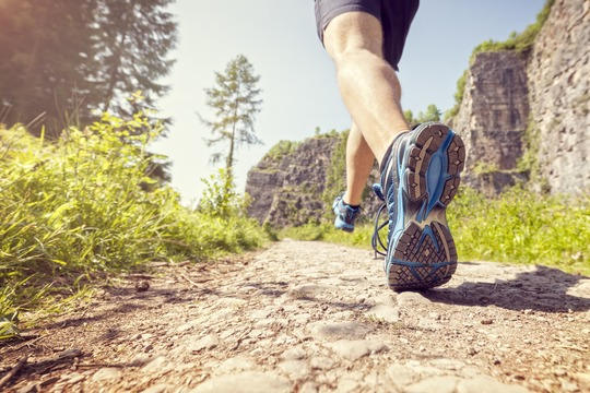 Hurtigere, stærkere og smidigere med basisk hydrogenrigt vand